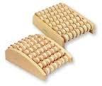 Willy Behrend Fußmassageroller aus Holz